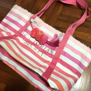 2018 Victoria Secret Summer White Tote Bag with fluffy ornament