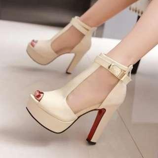 BN beige heels
