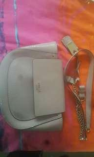 WOMANS GUEST HANDBAG