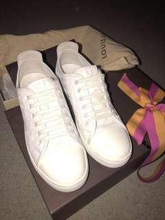 Louis Vuitton Punchy white sneakers sz36.5