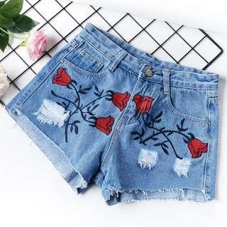 [BN] Embroidery Shorts