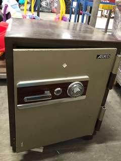Dial Combination Safe