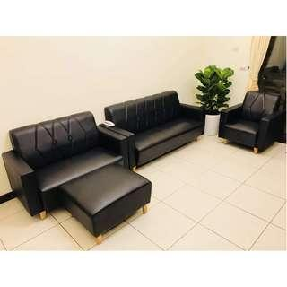 黑色沙發 二手 合成皮革 雙人+三人+單人+腳凳 氣派典雅 不退流行 保存狀況良好  超值組合