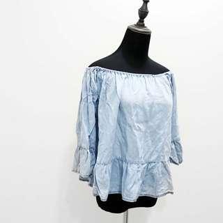 🚚 法國PIMKIE 牛仔荷葉邊上衣(有瑕疵) 法國購買 牛仔 荷葉邊 平口 垂墜式 顯瘦 修身