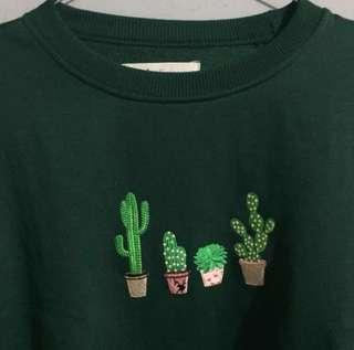 Cactus sweater green bottle