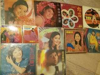 鄧麗君黑膠唱片大碟細碟連其他共11隻 保存好好不散賣即決