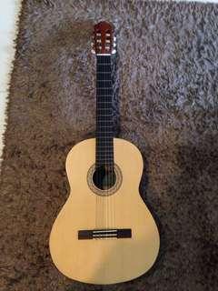 Classical guitar YAMAHA C40M