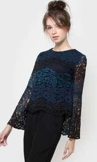 THE EXECUTIVE lace blouse