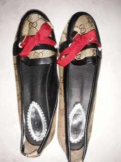 Sepatu flat pita merah size 38