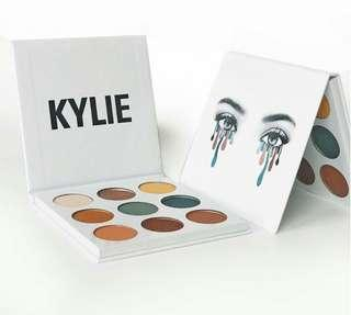 Kylie Jenner Blue Honey Eyeshadow Palette