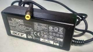 Charger Cas Adaptor Laptop Acer Aspire One series