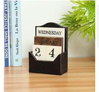 Wooden Table Calendar