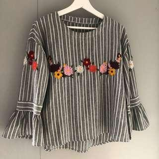 Pre 💓 embroidery flower blouse