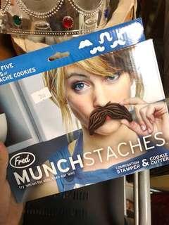 🚚 鬍子造型餅乾模型