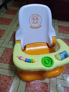 Feeding/bath chair
