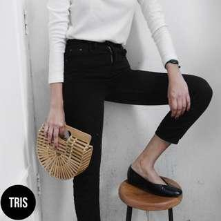 BLACK THIN HIGH WAISTED JEANS