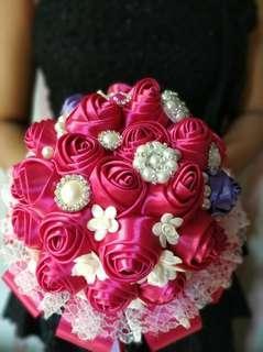Hand Bouquet Satin Magenta 02