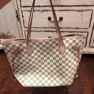Amazing replica of Louis Vuttion Neverfull