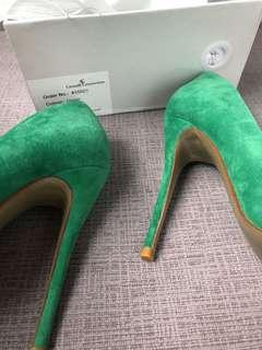 beautiful green shoes new 37