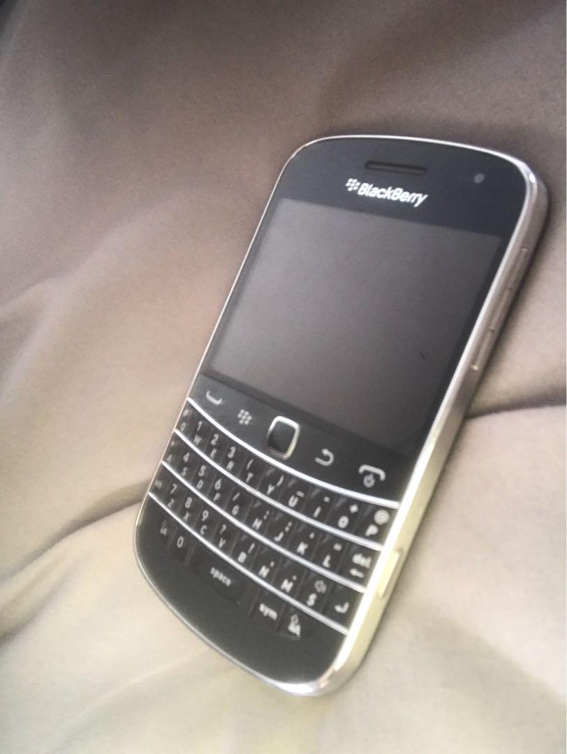 Blackberry Bold 9900 10/10 condition