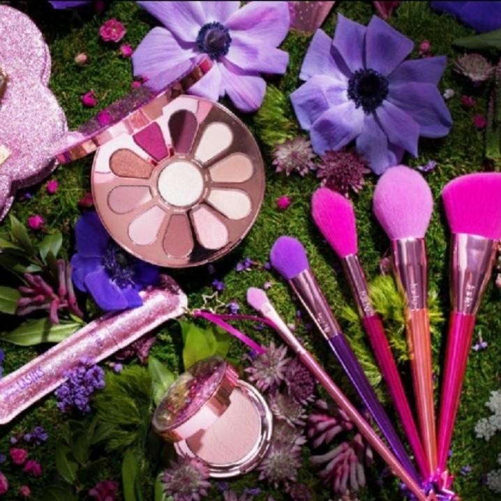 23fa4099237 BN Tarte Love Trust and Fairy Dust Vault (Limited Edition), Health &  Beauty, Makeup on Carousell