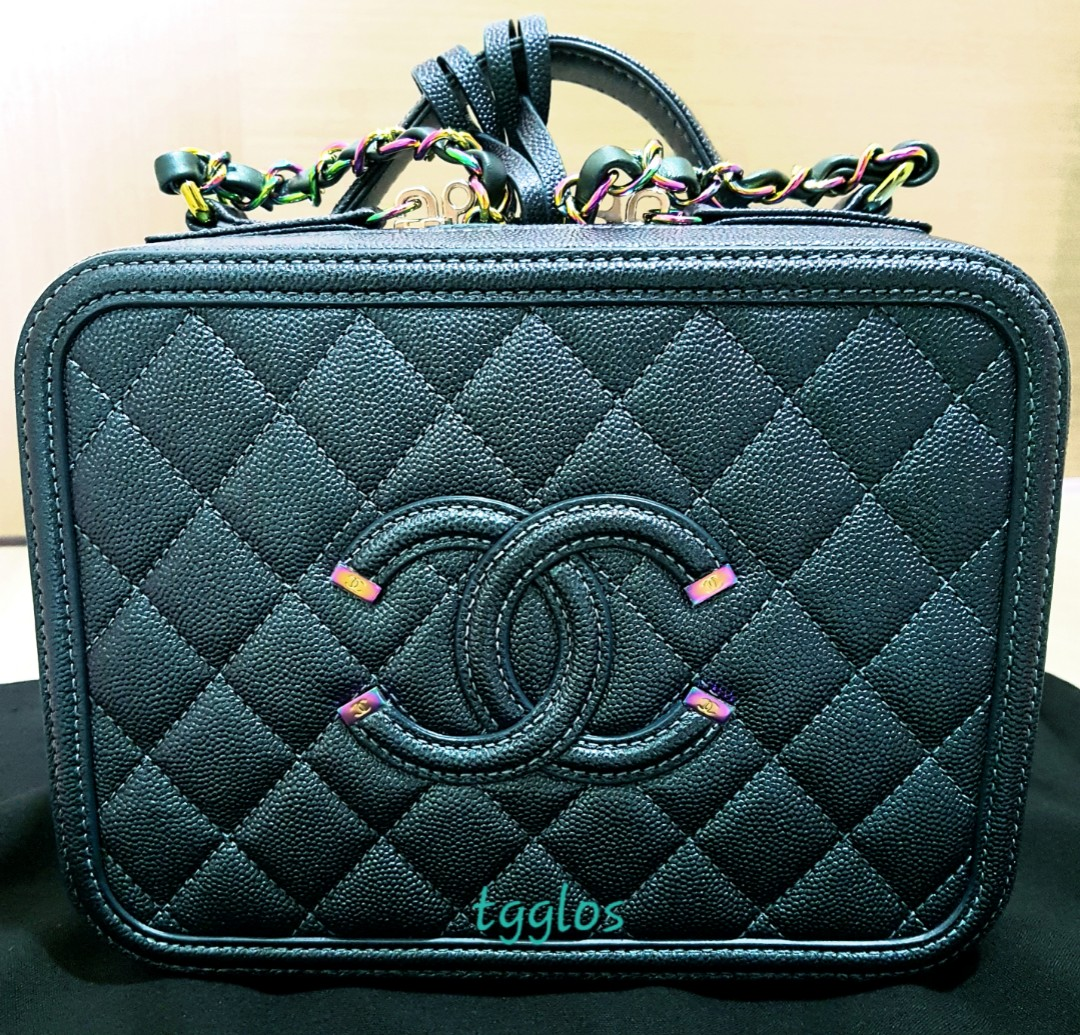 fd258afd6b18a8 Chanel Iridescent Turquoise Filigree Vanity Case with Rainbow hardware,  Luxury, Bags & Wallets, Handbags on Carousell