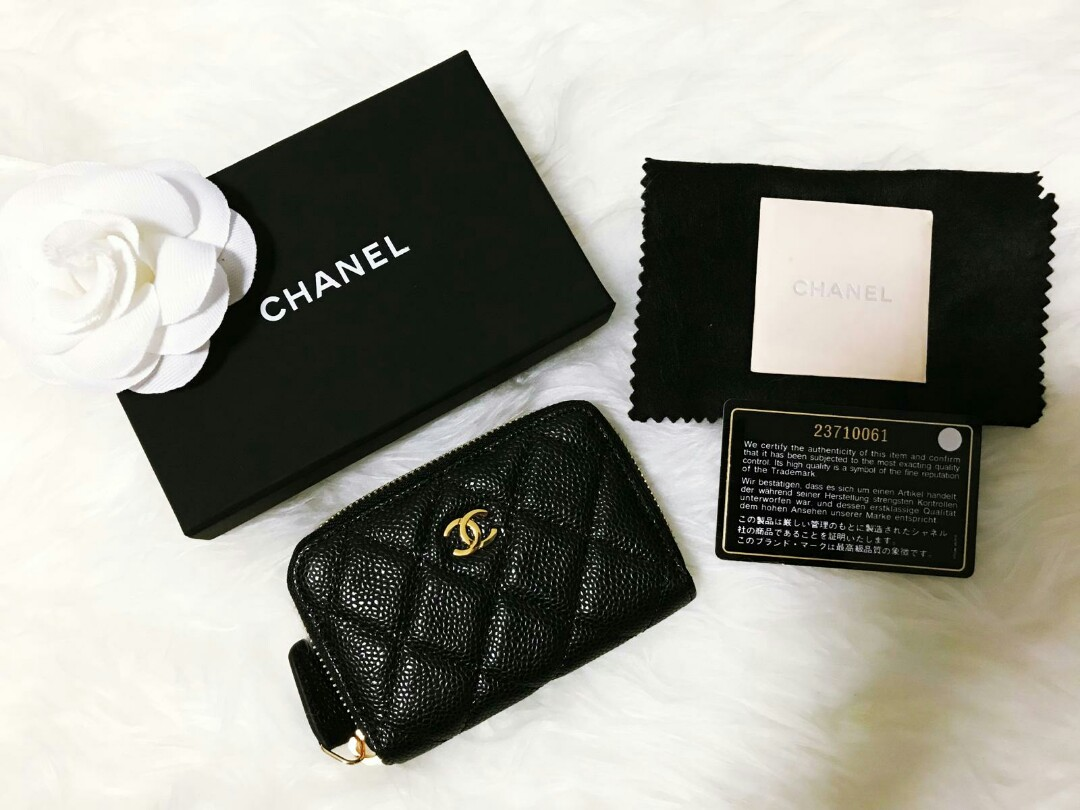 b883dc44a24928 Chanel Mini Zip Wallet in Black Caviar and Goldhardware, Luxury ...