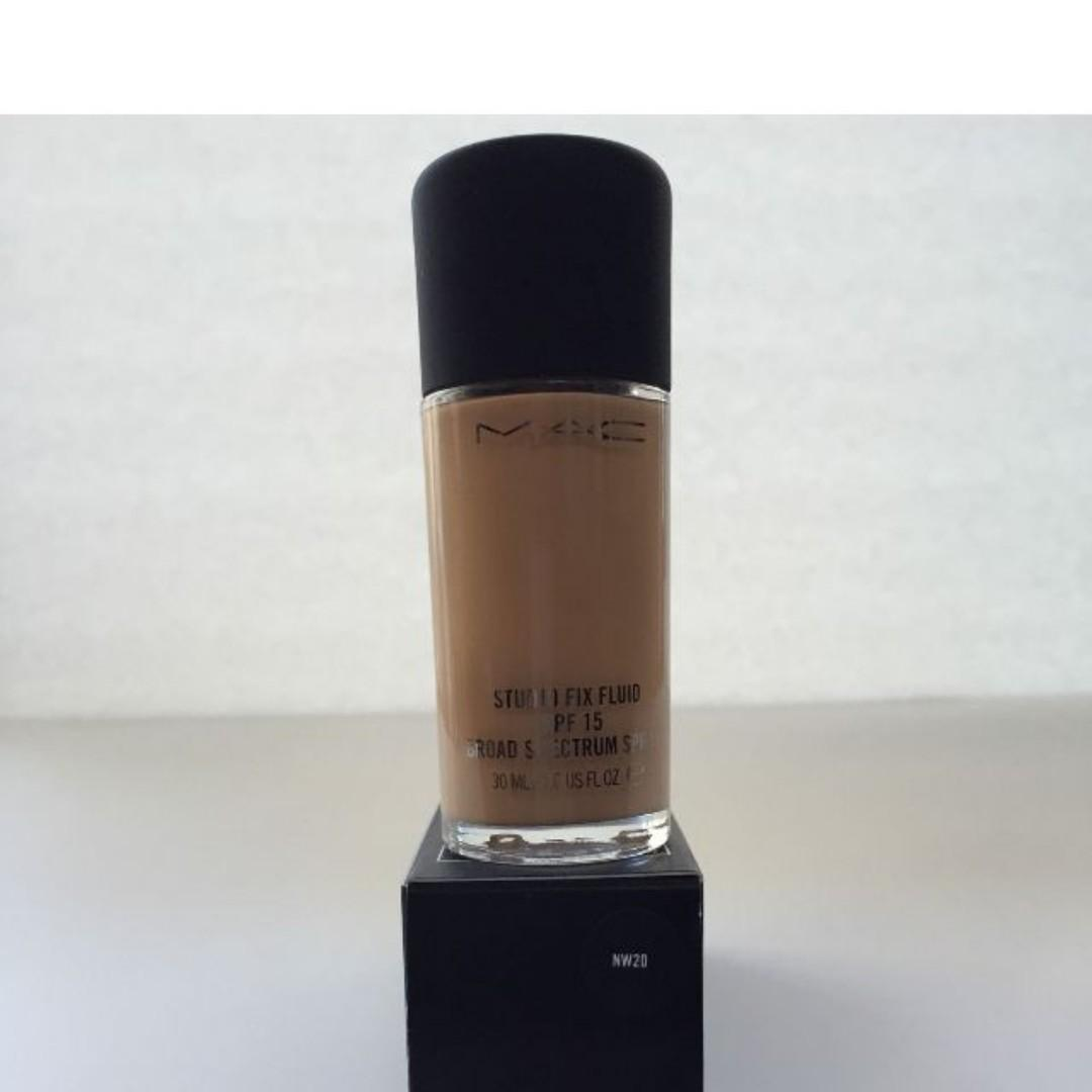 Mac Foundation Studio Fix Fluid Foundation SPF 15 NW20 100% Authentic + NEW IN BOX (NO SWAPS, PRICE IS FIRM) RRP $54