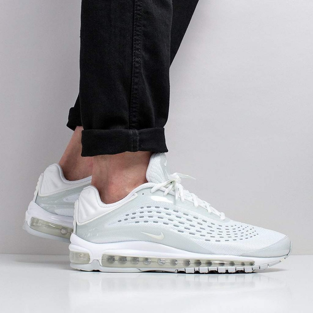 separation shoes 8ca7a 19647 Nike Air Max Deluxe Shoes – White Sail Pure Platinum, Men s Fashion,  Footwear, Sneakers on Carousell