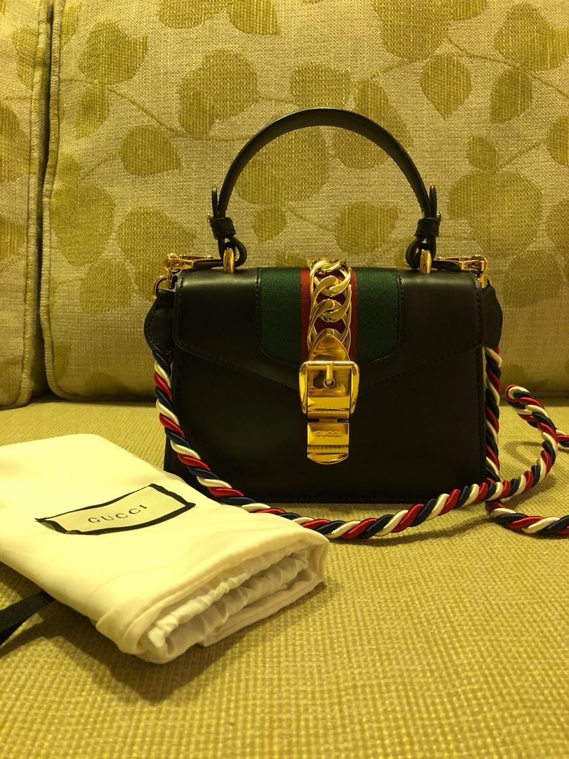 Preloved authentic Gucci Sylvie mini leather bag ad4a9956b793c