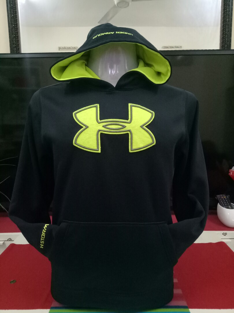 Sweatshirt Under Armour Hoodie Mens Fashion Clothes Tops On Charged Cotton Tshirt Kaos Size S Carousell