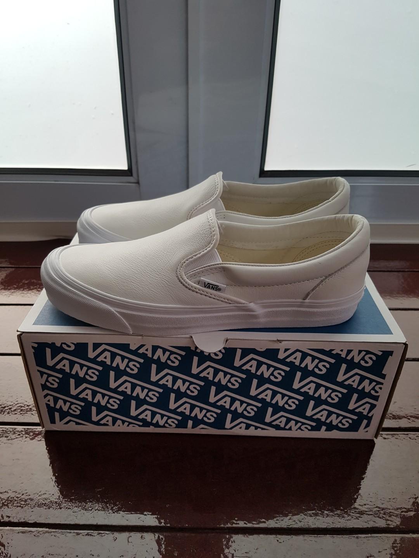 4245e0357f222c Vans Vault Leather OG Classic Slip On LX VLT White