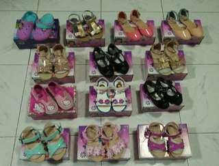 Girls sandals/shoes