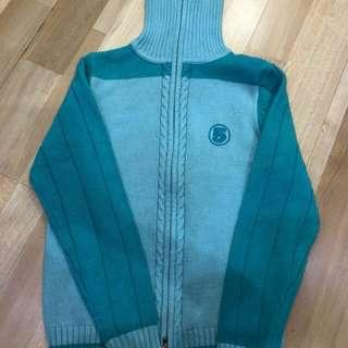 Jaket / sweater biru