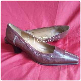 ✔Sz 5.5 Salvatore Ferragamo brown low heels square pumps shoes