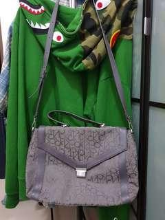 Authentic women Calvin Klein messenger bag