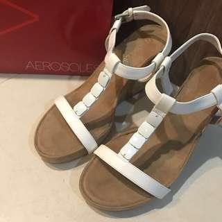 New* Aerosoles white flatform Sandals wedges