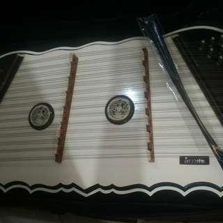 Yangqin/alat musik traditional cina