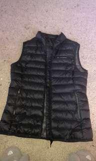 Mac pac vest near new