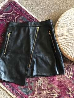 Leather like mini skirt with zips