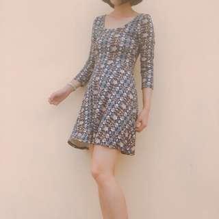 🚚 異國感U領連身裙#九月女裝半價