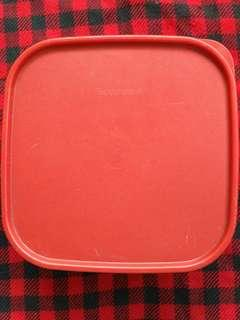 Toples Merah TUPPERWARE