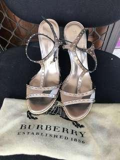 Burberry wedges authentic