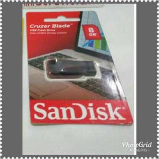 BRAND NEW! USB 8GB (Sandisk)