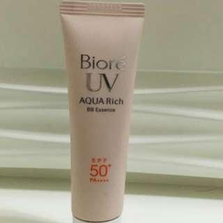 Biore UV Aqua Rich BB Esswnce 防曬防UV BB霜  (自然膚色)