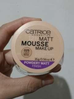 Catrice mousse powder (light beige)