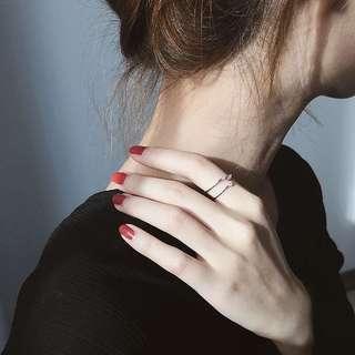 🚚 《早衣服》9月秋🎑極簡風格心跳系列個性水鑽鋯石設計款開口指節食指戒指(預)
