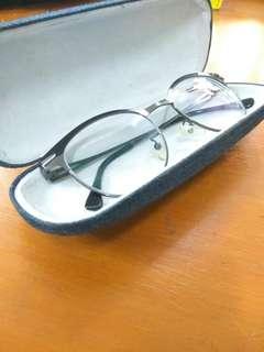 Kacamata lensa Cenon Boob's