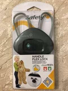 🚚 Safety 1st lock