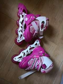 女童滾軸溜冰鞋,可調大小,合三歲至六歲,閃光轆,有袋